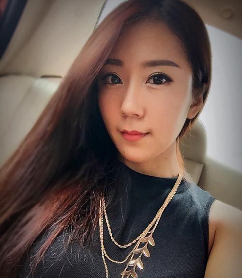 jiang limin une jeune chinoise callipyge digne d 39 un concours br silien des plus belles fesses. Black Bedroom Furniture Sets. Home Design Ideas