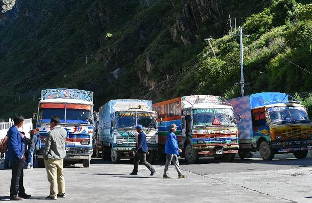 Comment une ville frontalière du Tibet connait un boom du commerce