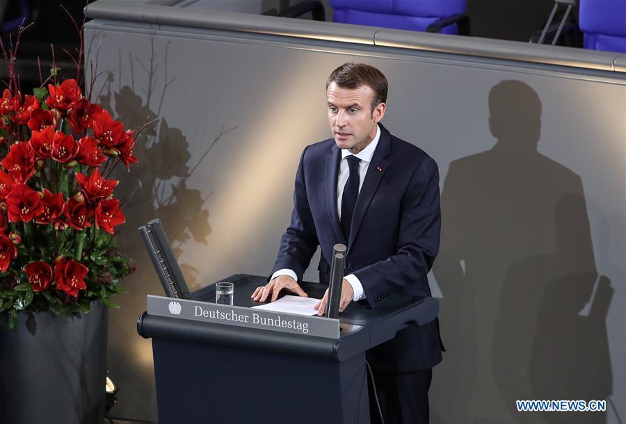 Le président français appelle à une Europe plus unie et plus indépendante devant le Parlement allemand